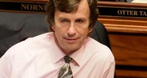Panel dismisses Kahn complaint against McNamara