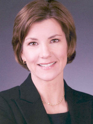 Photo of Lori Swanson